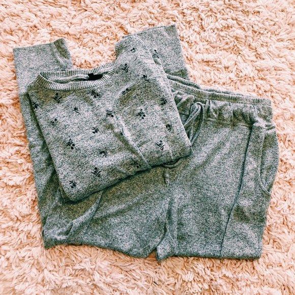 bobeau Other - Collection By Bobeau Gray Floral Pajama Set